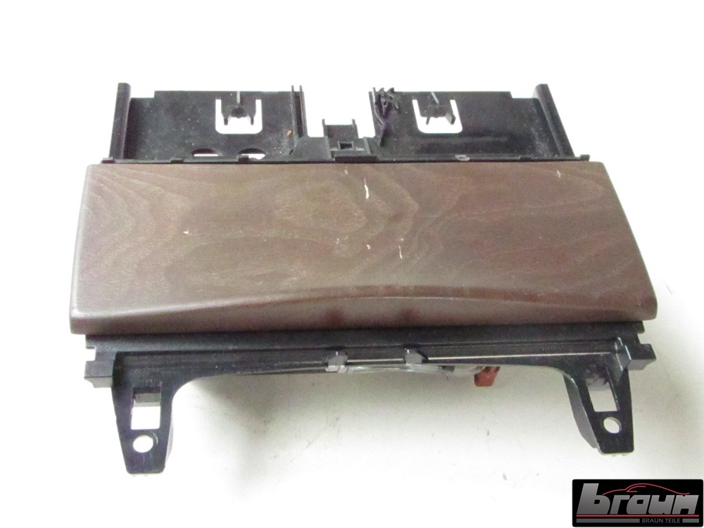 ablagefach aschenbecher mittelarmlehne 2046801350 mercedes e klasse w212 innenausstattung. Black Bedroom Furniture Sets. Home Design Ideas